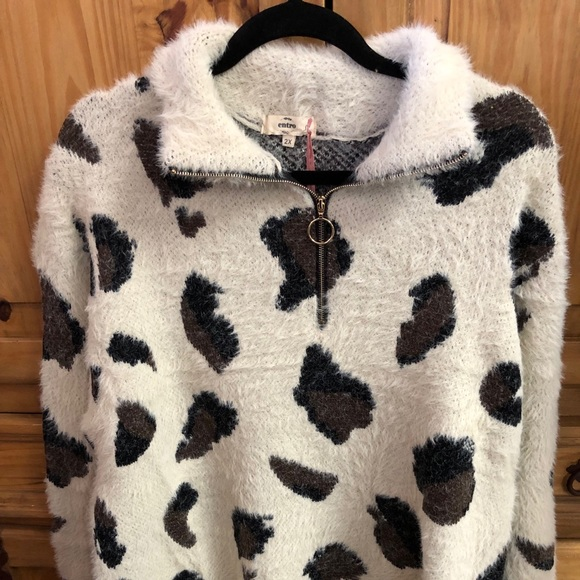 Over sized leopard sweater. Boutique. entro 2540f10ff